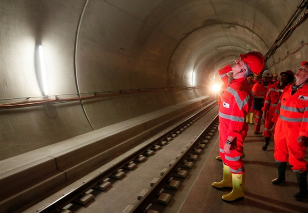 世界最长隧道:圣哥达隧道长56公里