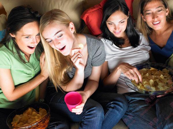 睡前吃东西真的会发胖吗?